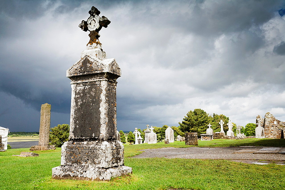 Graveyard at Clonmacnoise, County Offaly, Ireland, Europe
