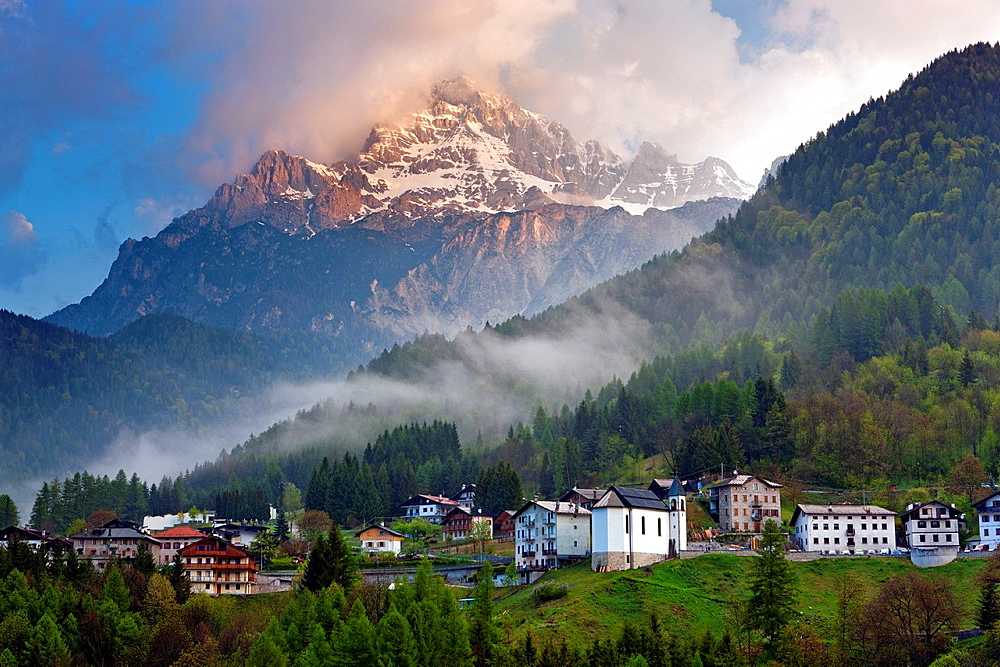 Valle Di Cadore and Monte Antelao in background, Vento, Dolomites, Italy, Europe