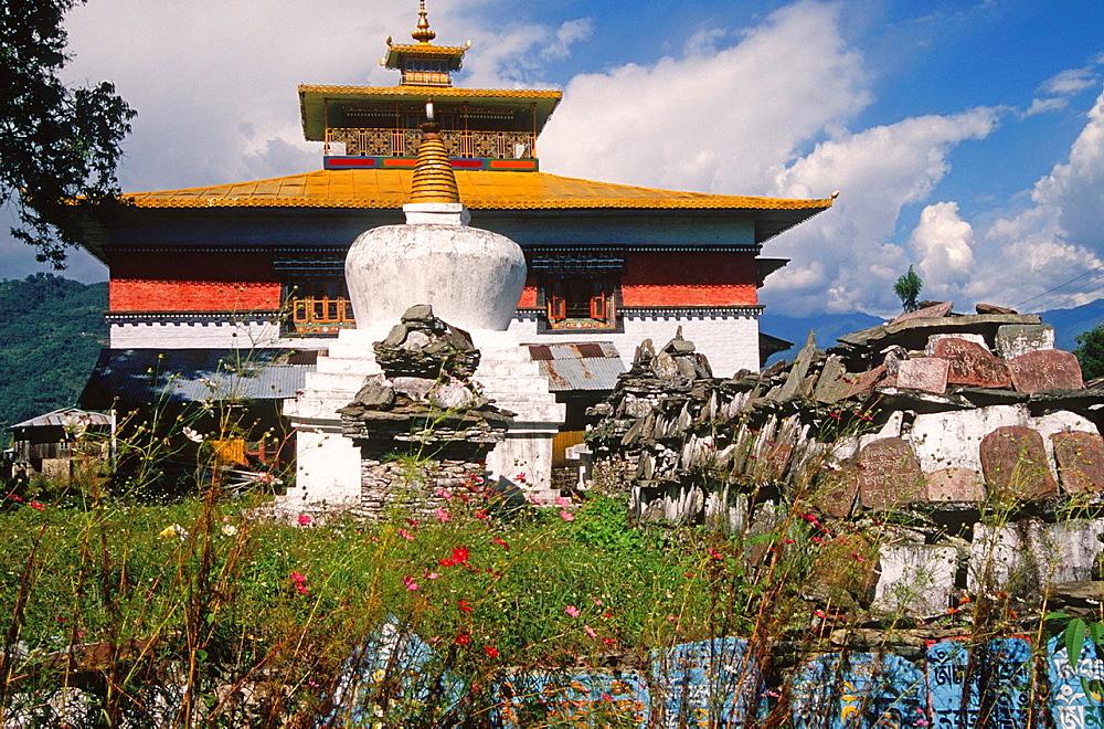 India, Sikkim, Tashiding Gompa, buddhist monastery, chorten, prayer stones,