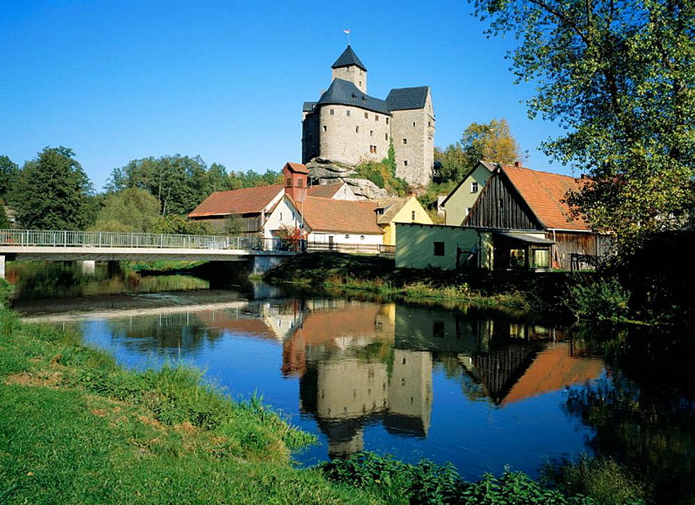 Germany, Falkenberg (Kreis Tirschenreuth), Upper Palatinate Forest, Upper Palatinate, Bavaria, castle, Waldnaab, river landscape