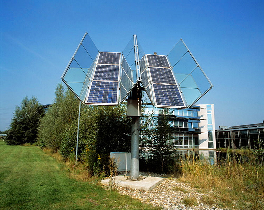 Germany, North Rhine-Westphalia, Gladbeck, Innovation Centre Wiesenbusch, solar cells
