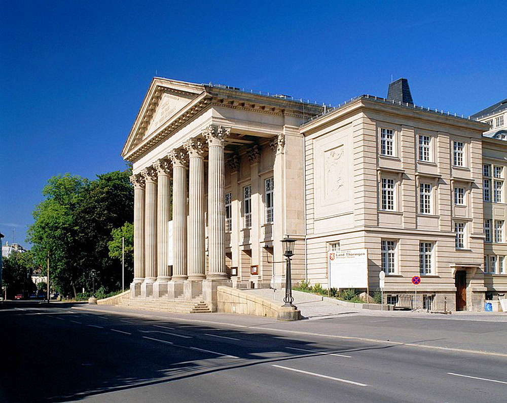Germany, Meiningen, Werra, Werra Valley, Thuringian Forest, Rhoen, Thuringia, South Thuringian State Theatre Meiningen, neo classicism, portico, porticos and Corinthian pillars, columns, temple style