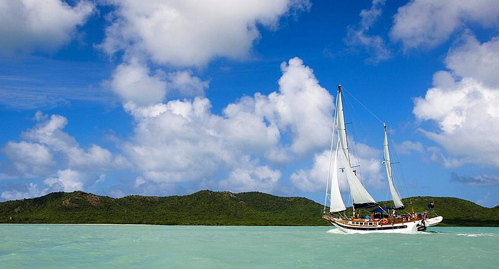 Cruising Yacht under sail, Antigua, Cruising Yacht under sail, Antigua