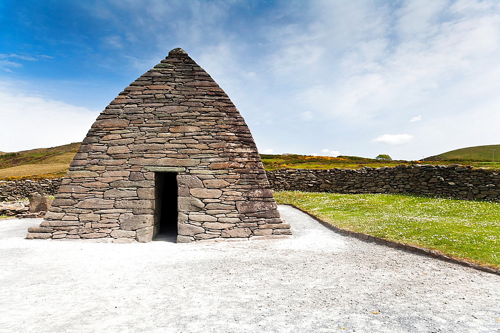 Gallarus Oratory on the Dingle Peninsula, County Kerry, Ireland, Europe