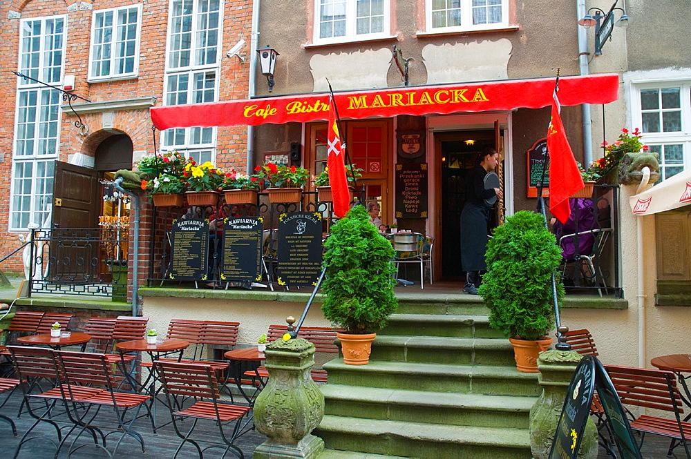 Cafe bistro exterior along ulica Mariacka street Glowne Miasto the main town Gdansk Warsaw Poland Europe