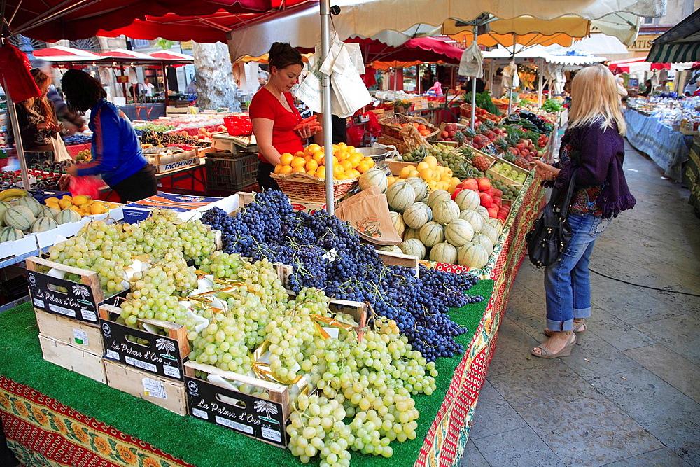 France, Provence, Aix en Provence, market