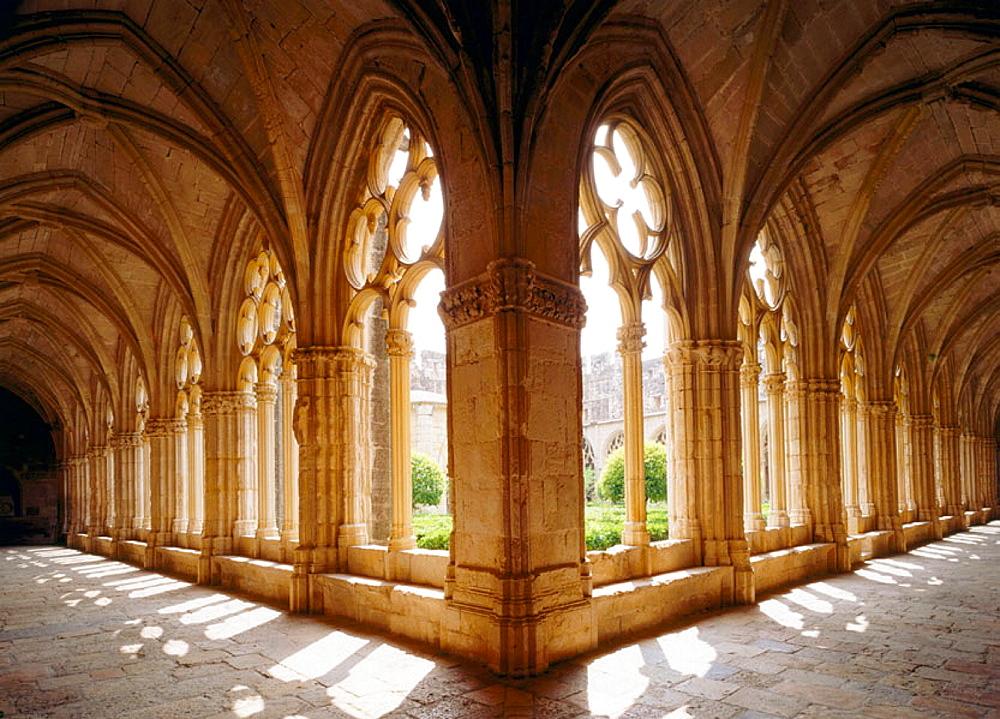 Cloister, Santes Creus monastery, Tarragona province, Spain