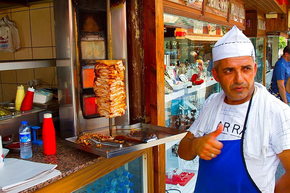 Man preparing doner kebab  Side  Province of Antalya  Mediterranean coast  Turkey