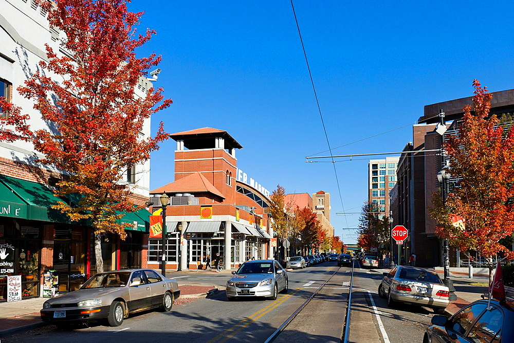 Shops, bars and restaurants on President Clinton Avenue in the River Market District in downtown Little Rock, Arkansas, USA