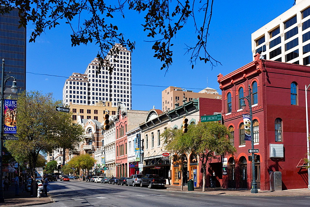 Bars and restaurants on East 6th Street in historic downtown Austin, Texas, USA