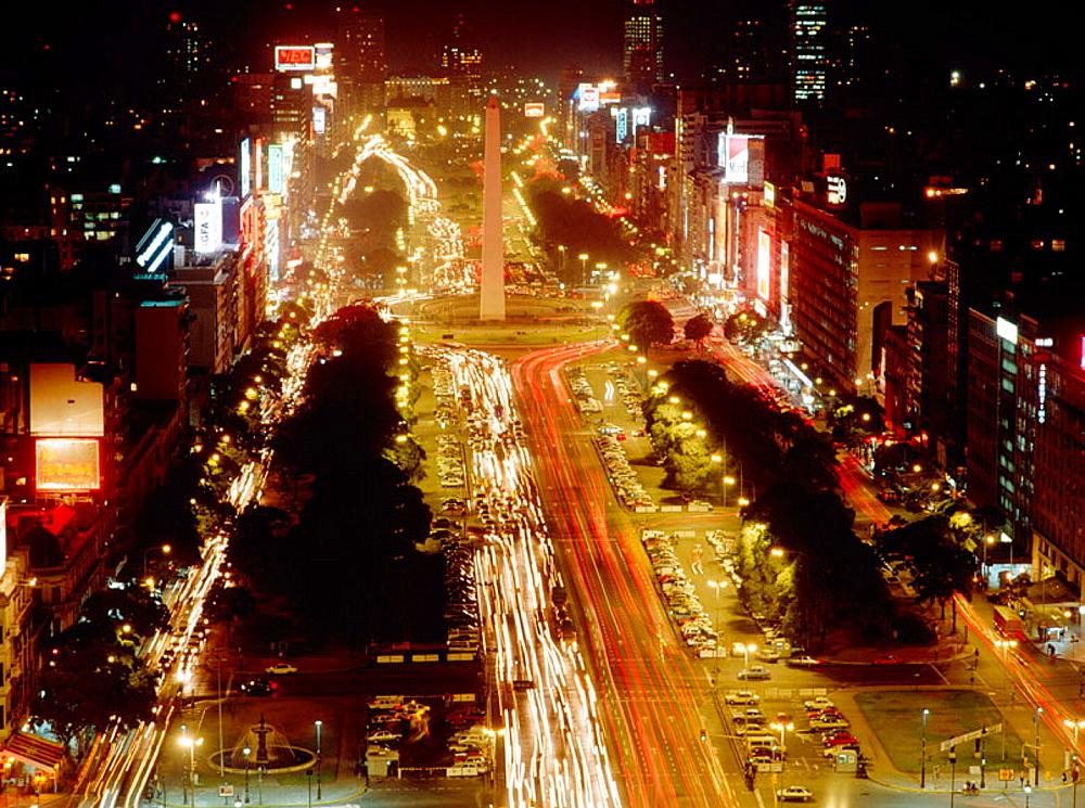 Avenida 9 de Julio, Buenos Aires, Argentina - 817-38411