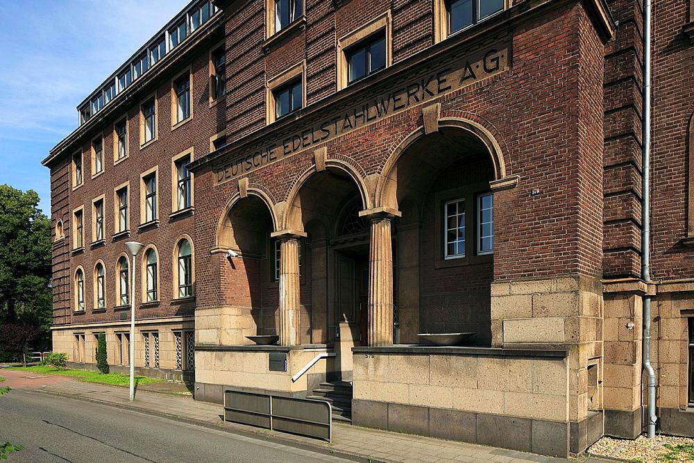 D-Krefeld, Rhine, Lower Rhine, Rhineland, North Rhine-Westphalia, NRW, D-Krefeld-Stahldorf, Deutsche Edelstahlwerke AG, former headquarters, brick building