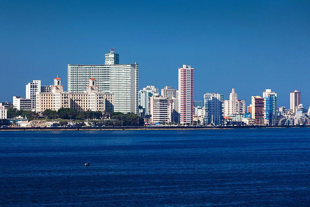 Cuba, Havana, elevated city view from the Castillo de los Tres Santos Reys del Morro fortress