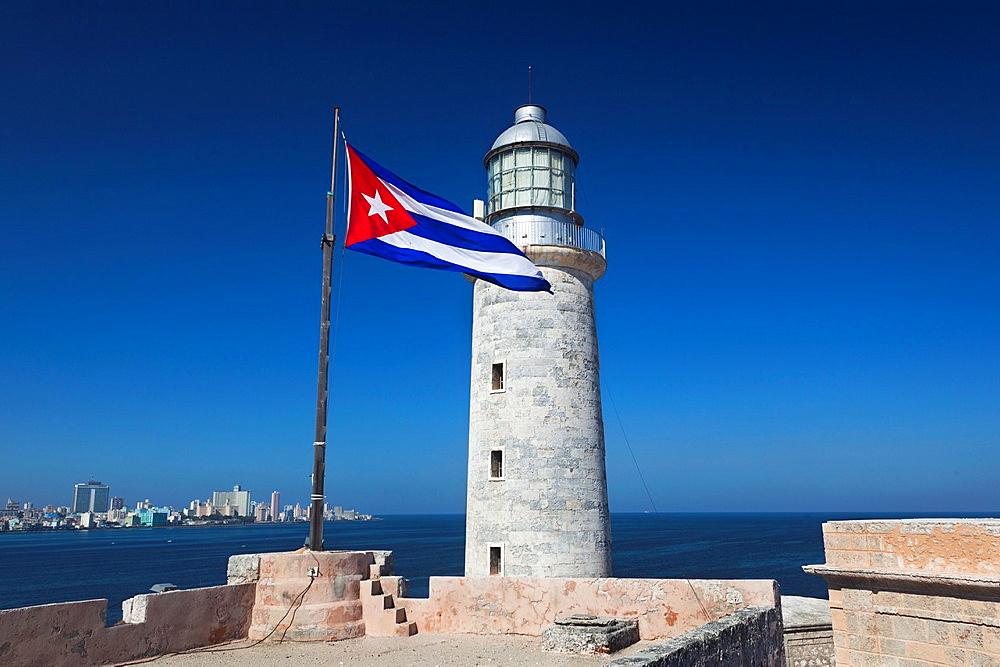 Cuba, Havana, Castillo de los Tres Santos Reys del Morro fortress, lighthouse