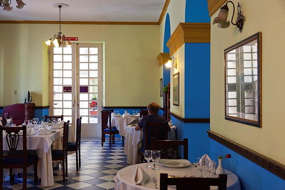 Cuba, Cienfuegos Province, Cienfuegos, Hotel la Union, dining room