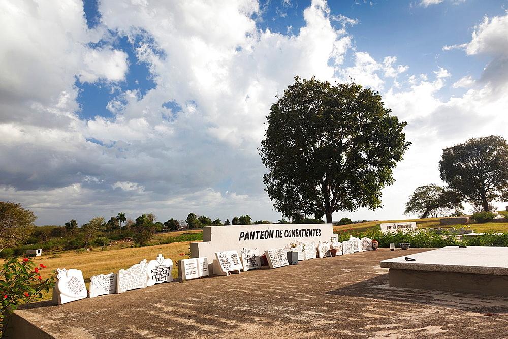 Cuba, Cienfuegos Province, Cienfuegos, Necropolis Tomas Acea, town cemetery, Pantheon of the Combatants