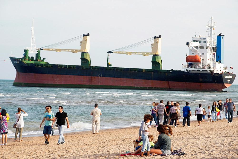 People come to Saler for vessels stranded on the sand, El Saler, Valencia, Spain, Europe