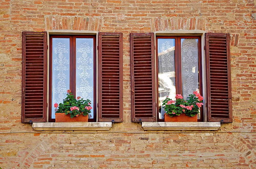 Dueling Windows of Tuscany