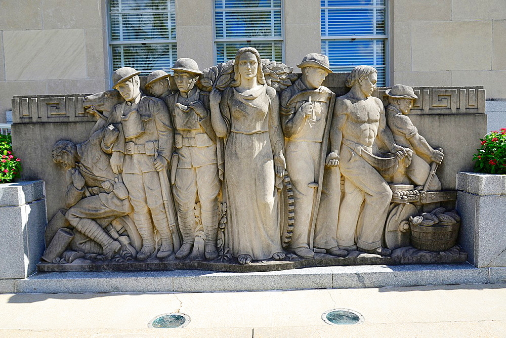 Sculpture Mississippi War Memorial BuildingJacksoi MS US