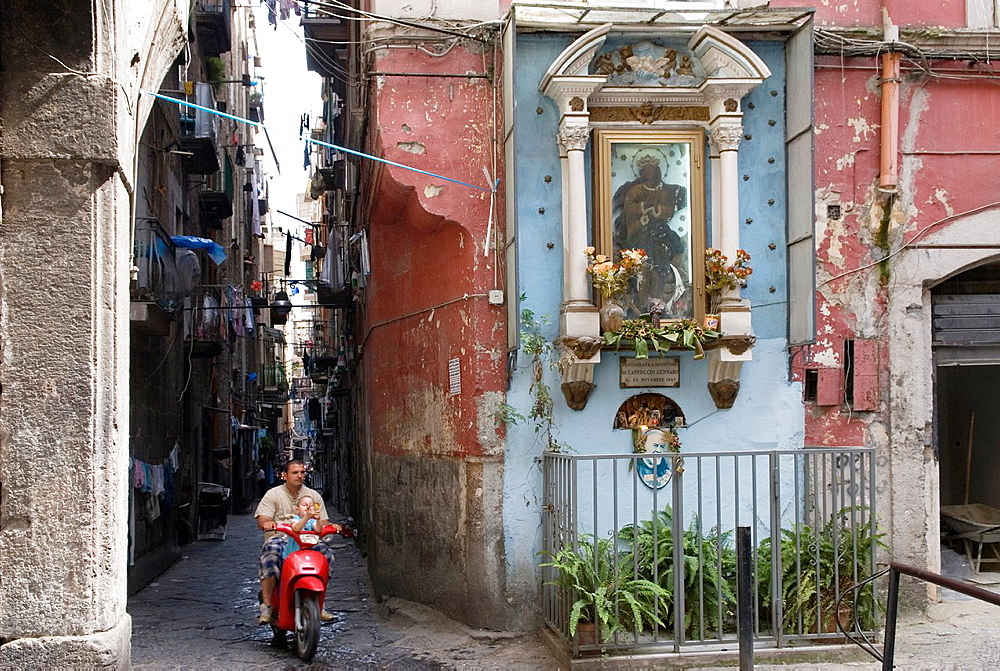 alley in the historic city center, Naples, Campania region, southern Italy, Europe