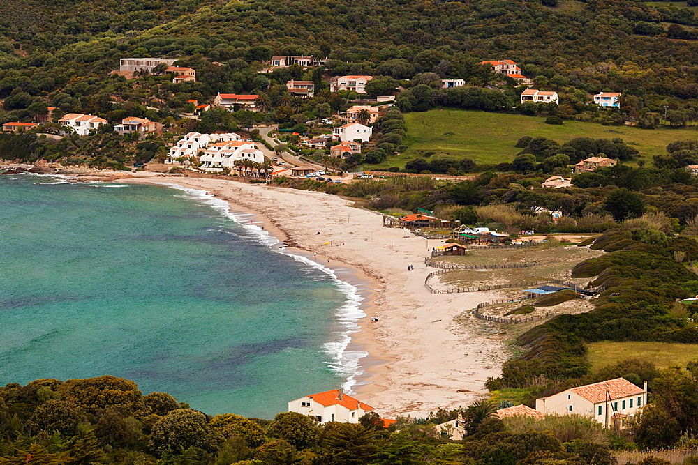 Region cargese corse for Camping corse du sud avec piscine