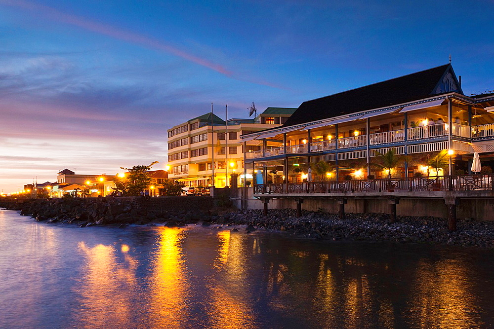 Dominica, Roseau, Fort Young Hotel, dusk