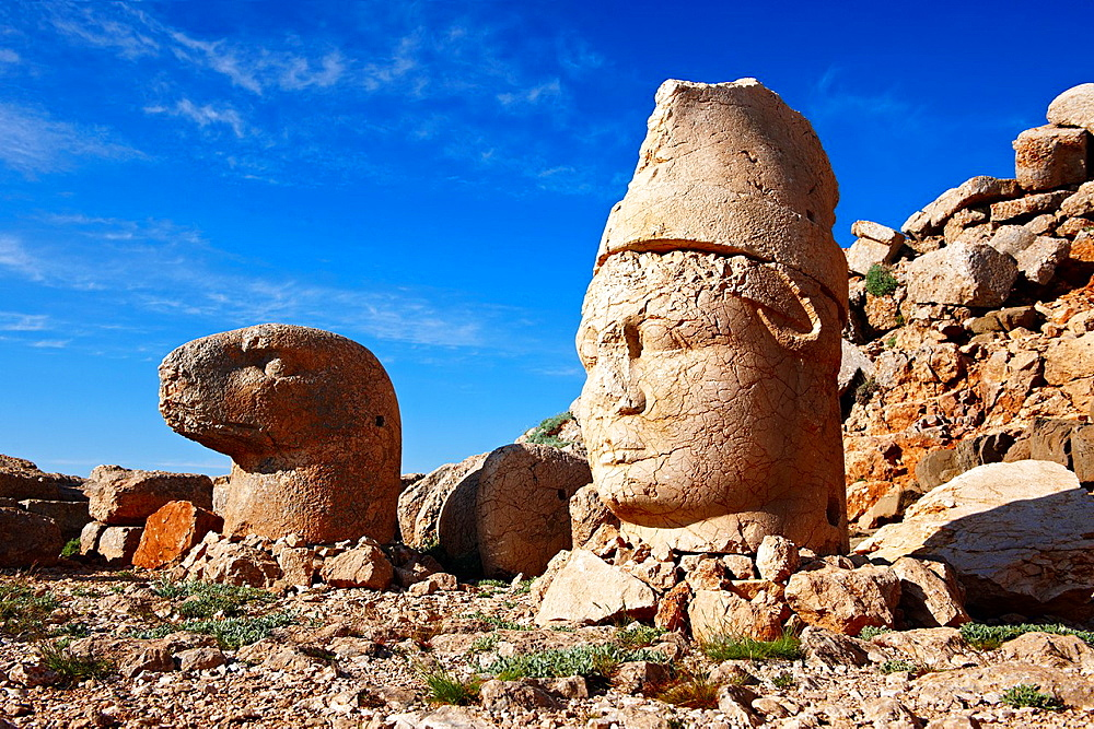 Pictures of the statues of around the tomb of Commagene King Antochus 1 on the top of Mount Nemrut, Turkey