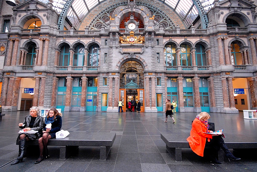 The monumental station of Antwerpen, Belgium