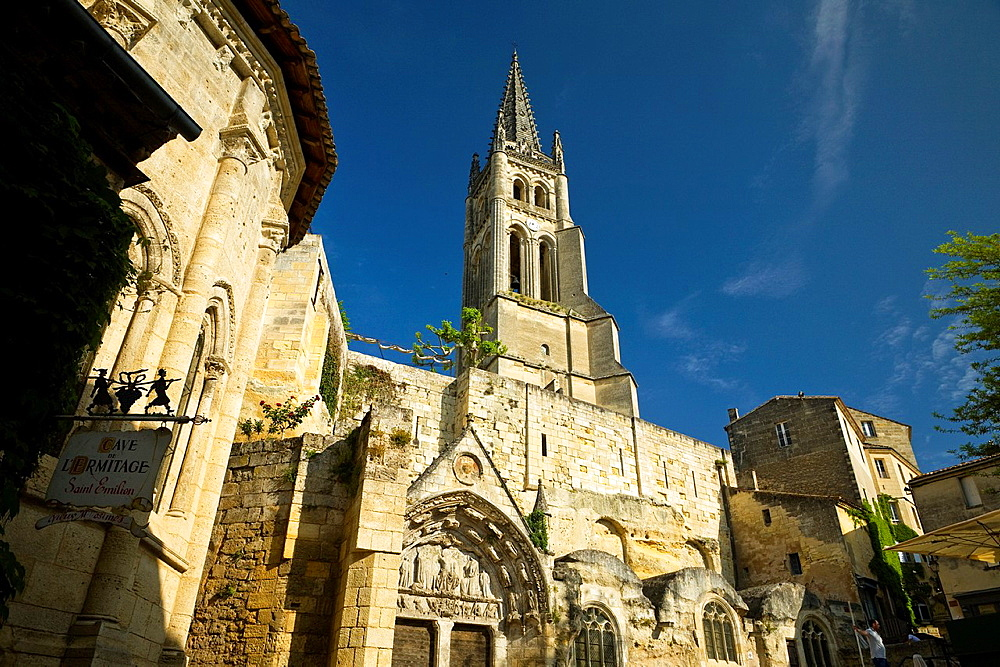Saint-Emilion, in the Dordogne River Valley, Gironde region, Acquitaine, France, Romanesque monolithic church 'L'Eglise Monolithe' whose lower section was carved from a limestone cliff, May