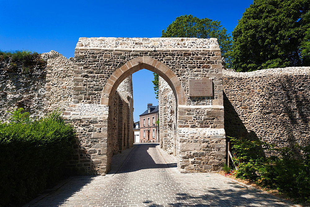 France, Picardy Region, Somme Department, St-Valery sur Somme, Somme Bay Resort town, town fortress gate through which Joan of Arc was transported to prison