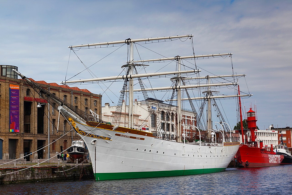 France, Nord-Pas de Calais Region, Nord Department, French Flanders Area, Dunkerque, sailing ship Duchesse Anne by the Musee portuaire, port museum