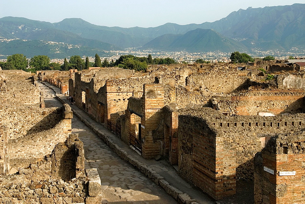 Via Stabiana, archeological site of Pompeii, province of Naples, Campania region, southern Italy, Europe