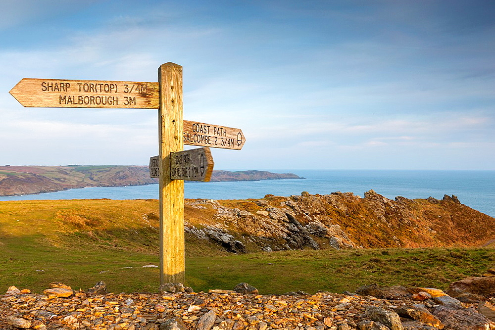 Signpost on the South West Coast Path near Sharp Tor, Salcombe, South Devon, England, UK, Europe