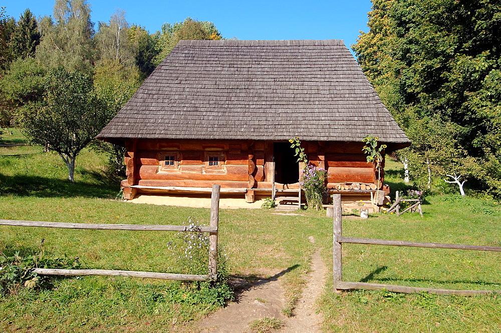 old wooden Ukrainian log hut, Lviv, Ukraine, Eastern Europe