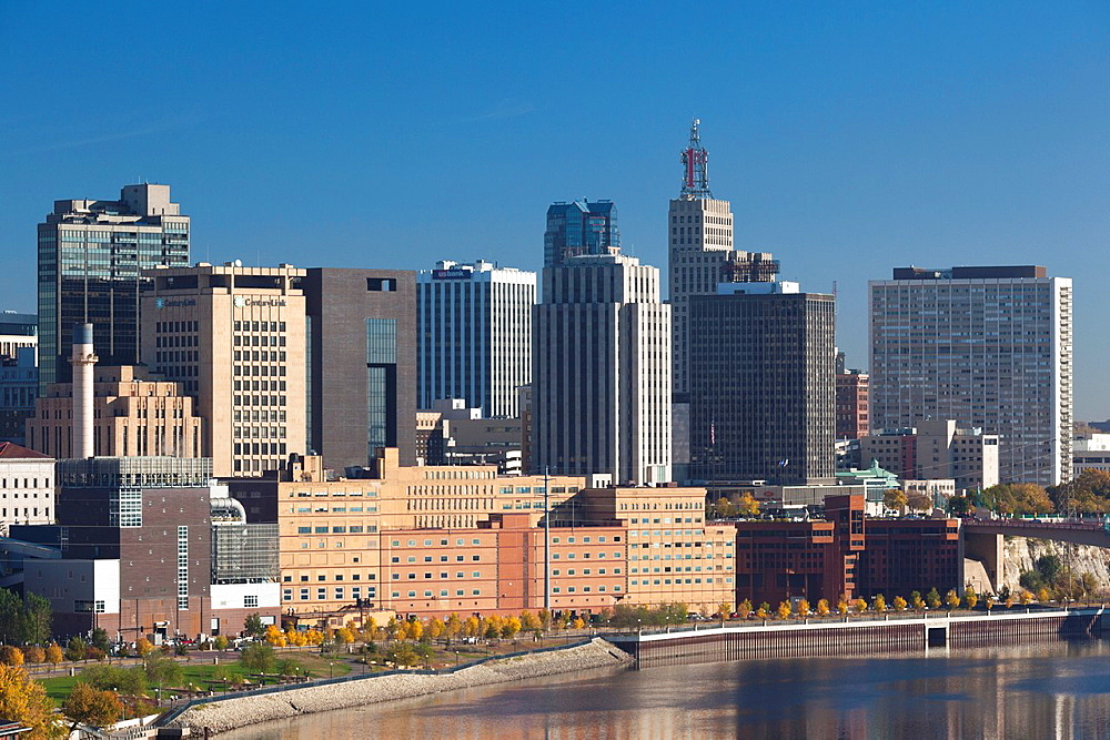 USA, Minnesota, Minneapolis, St  Paul, elevated skyline from Mississippi River