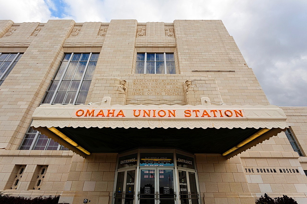 USA, Nebraska, Omaha, The Durham Museum, city museum in 1931 Union Railroad Station, exterior