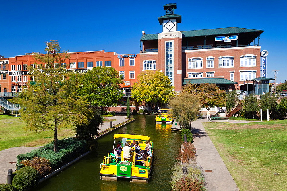 USA, Oklahoma, Oklahoma City, Bricktown, entertainment district, renovated buildings and canals