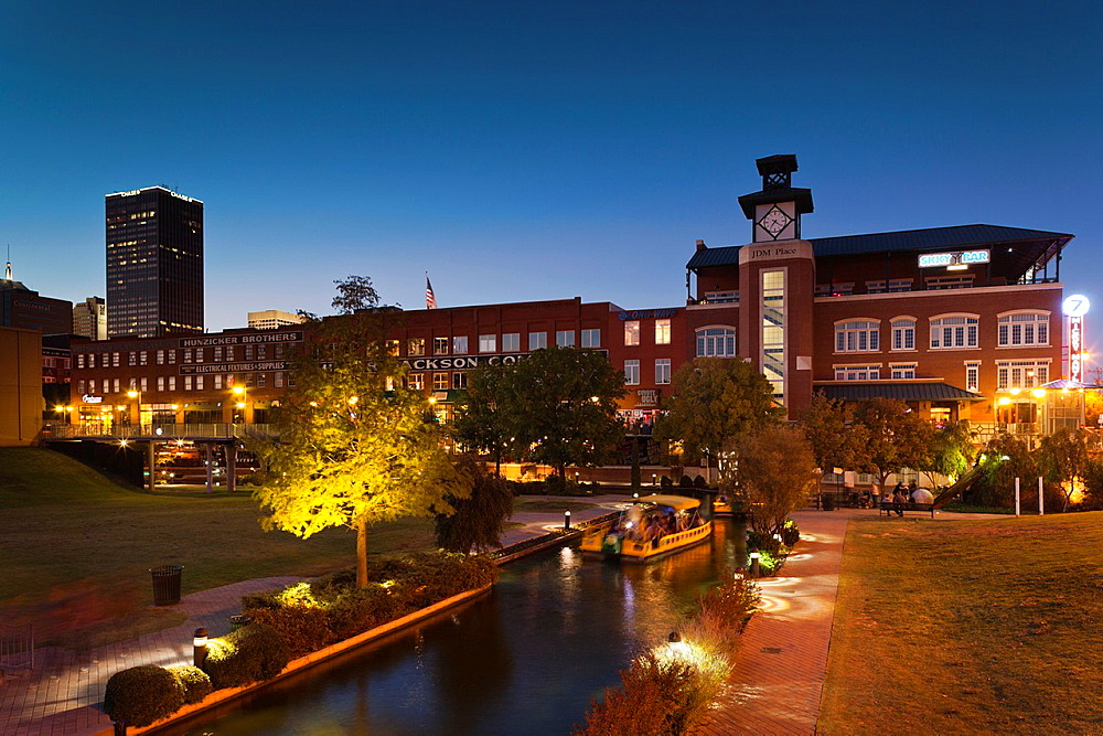 USA, Oklahoma, Oklahoma City, Bricktown, entertainment district, dusk