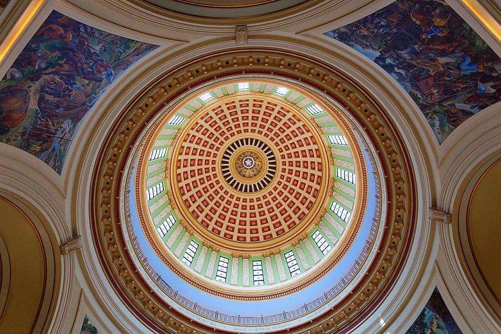 USA, Oklahoma, Oklahoma City, Oklahoma State Capitol Building, dome interior