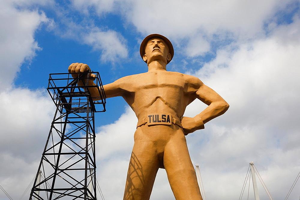 USA, Oklahoma, Tulsa, Expo Square, statue of The Golden Driller