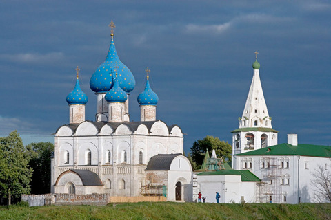 Cathedral of the Nativity (13th-16th century) and bell tower (1635) in the Kremlin, Suzdal, Golden Ring, Russia