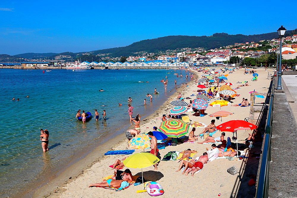 Beach, Bueu, Ria de Pontevedra, Pontevedra province, Galicia, Spain.
