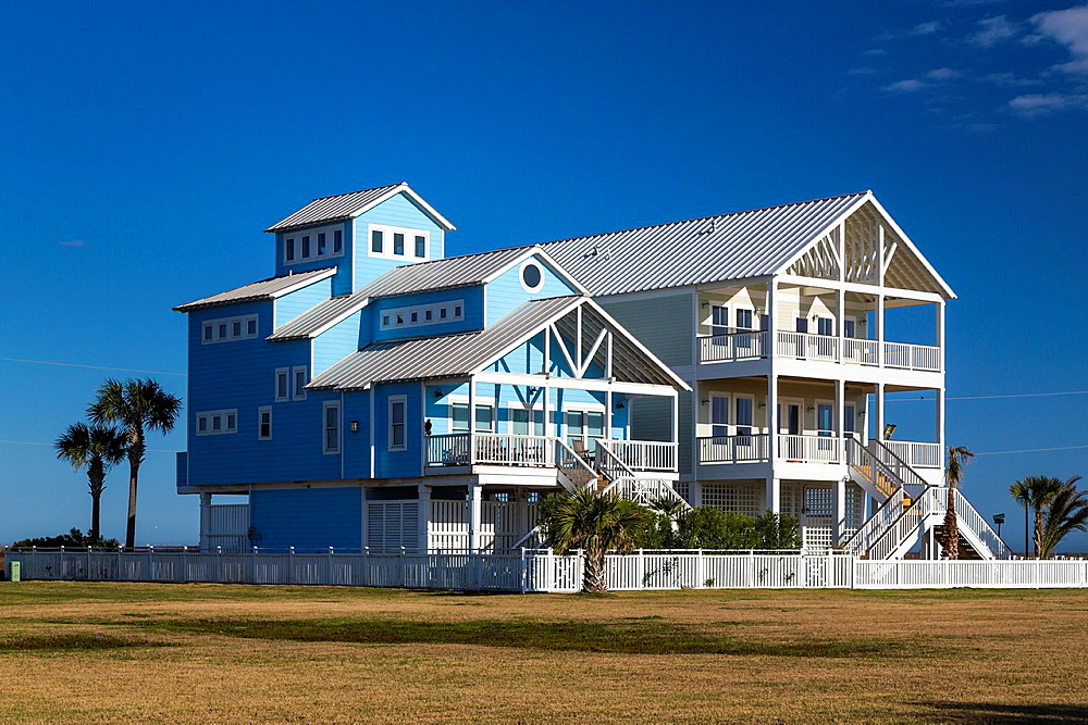 Vacation homes on the Gulf of Mexico beach on Galveston Island, Texas, USA