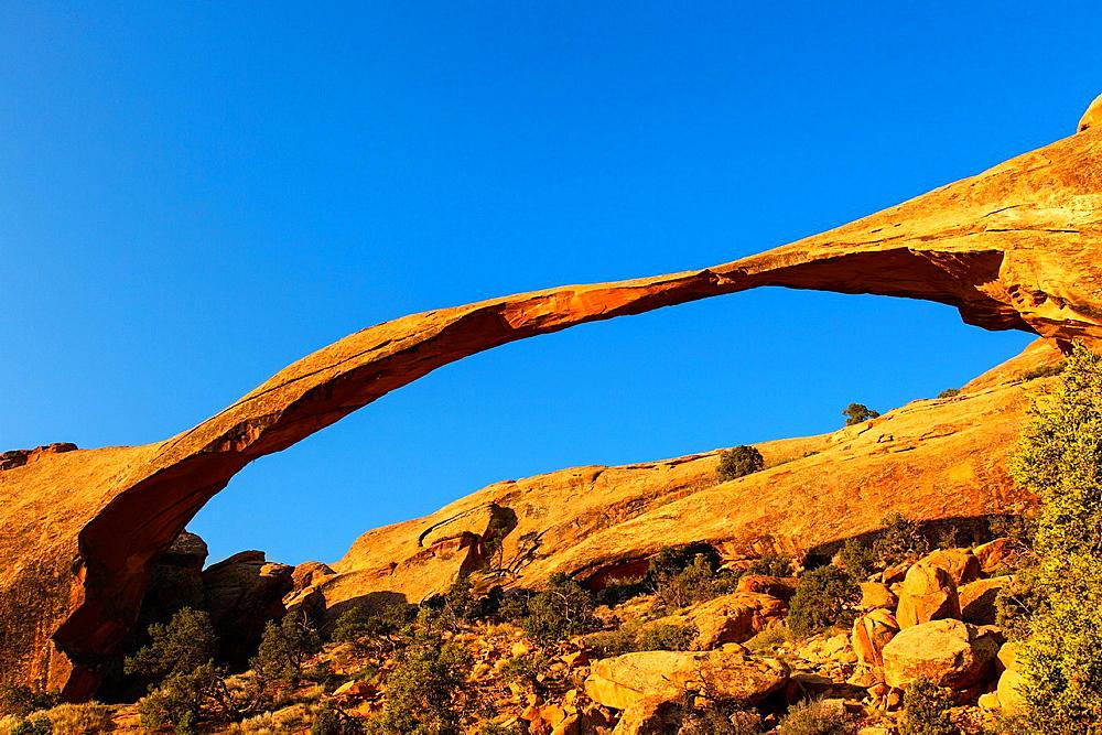 Landscape Arch, Arches NP, Utah, USA