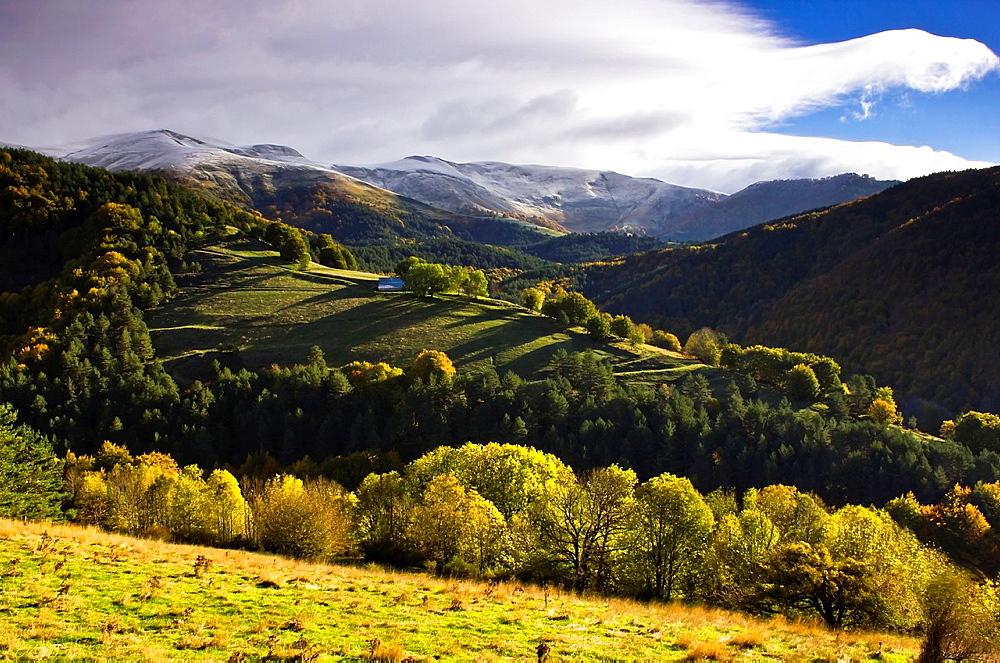 Larrau mountain pass in autumn, Salazar Valley, Pyrenees, Navarra, Spain, Europe