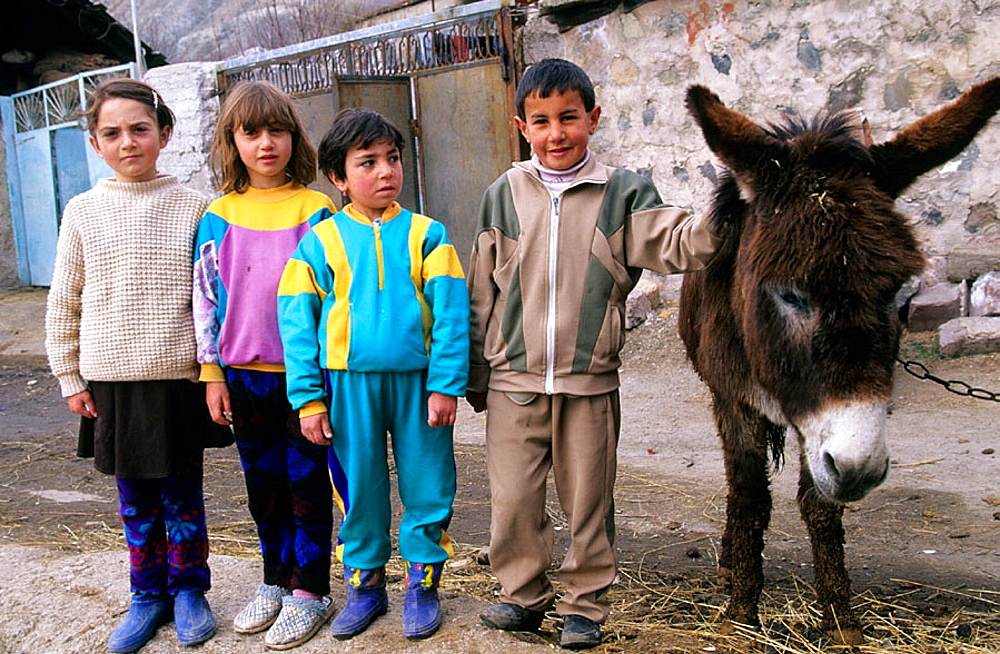 Armenian children, Armenia