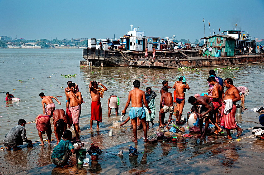 People bathing in Hooghly river Calcutta, West Bengal, India