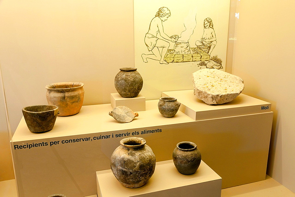 Useful Cooking, Archaeological Museum are Fornes, room Talayotic period 1300-123 C, Montuiri, District of Es Pla, Mallorca, Spain