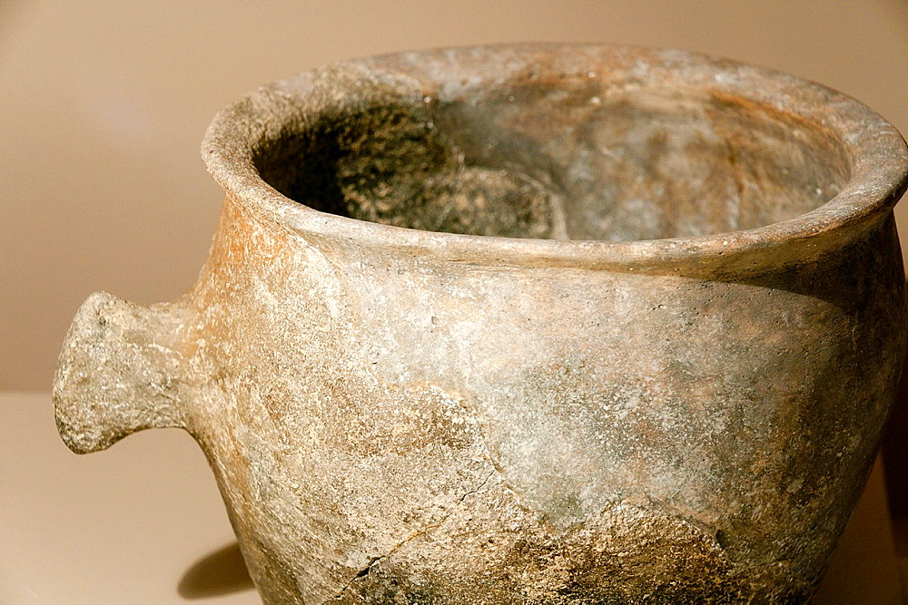 Crock, Archaeological Museum are Fornes, room Talayotic period 1300-123 C, Montuiri, District of Es Pla, Mallorca, Spain