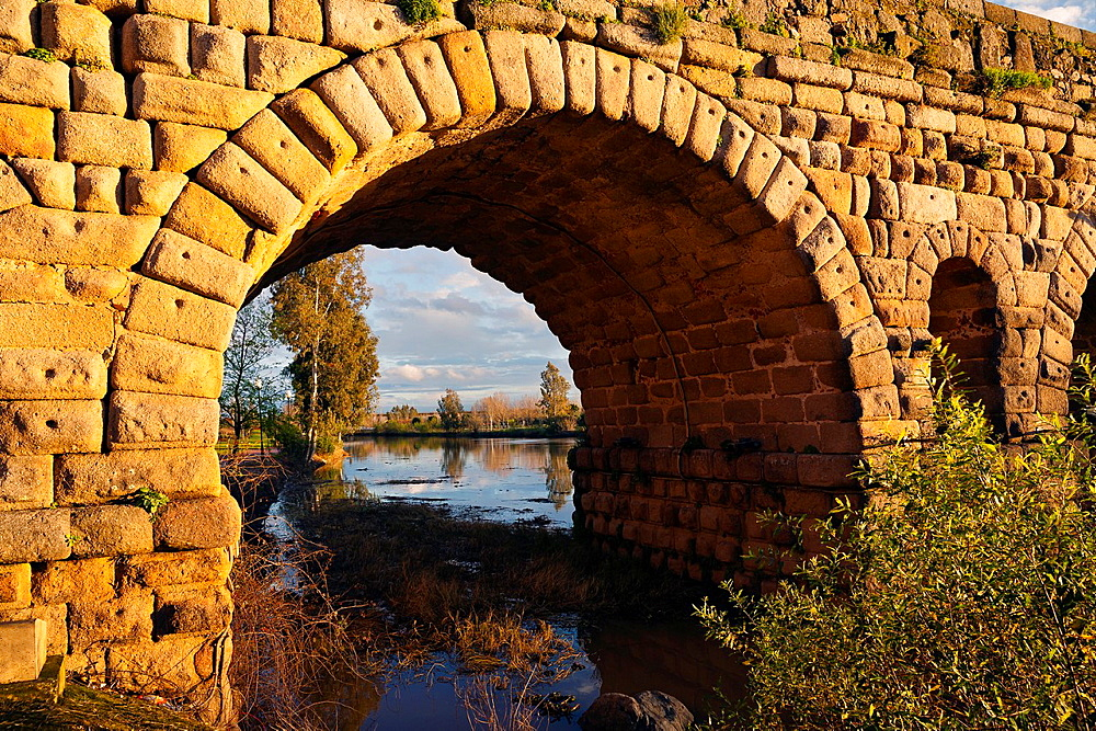 Roman bridge in Merida. Badajoz. Extremadura. Spain.